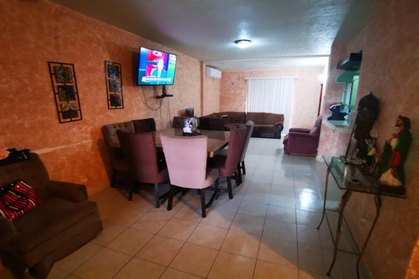 Foto de casa en venta en  , villas de oriente sector 3, san nicolás de los garza, nuevo león, 20493479 No. 02
