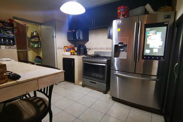 Foto de casa en venta en  , villas de oriente sector 3, san nicolás de los garza, nuevo león, 20493479 No. 03