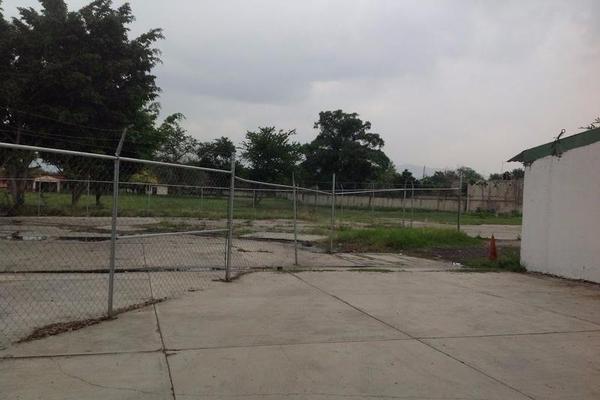 Foto de terreno habitacional en venta en  , villas del descanso, jiutepec, morelos, 7962006 No. 02