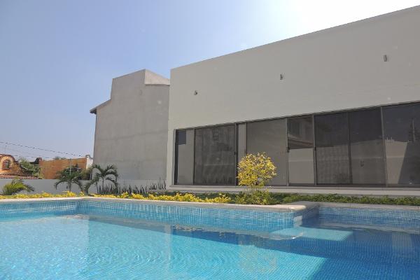 Foto de casa en venta en  , villas del lago, cuernavaca, morelos, 2639465 No. 02