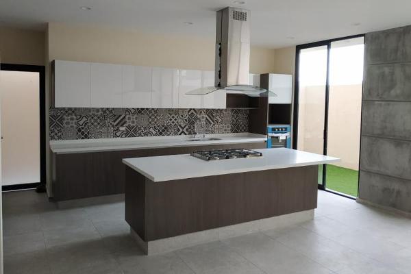 Foto de casa en venta en  , villas del refugio, querétaro, querétaro, 6201600 No. 03