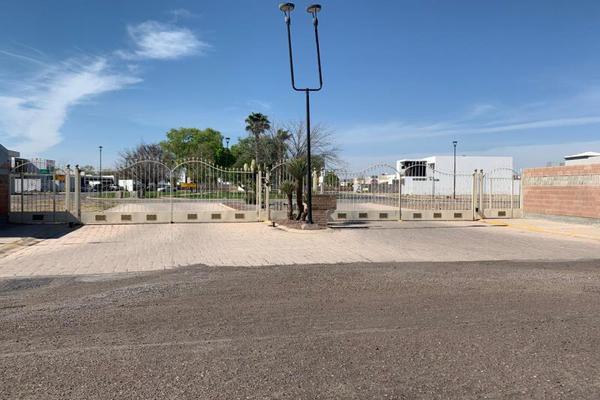 Foto de terreno habitacional en venta en  , villas del renacimiento, torreón, coahuila de zaragoza, 0 No. 02