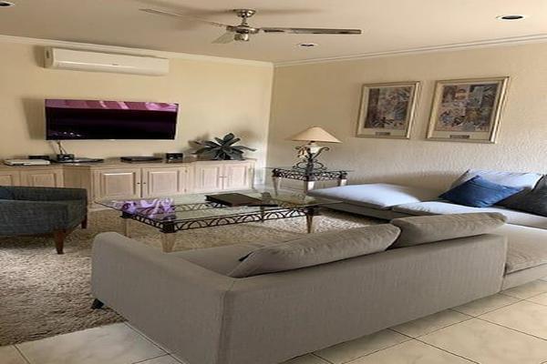 Foto de casa en venta en  , villas del sol, mérida, yucatán, 13397719 No. 02