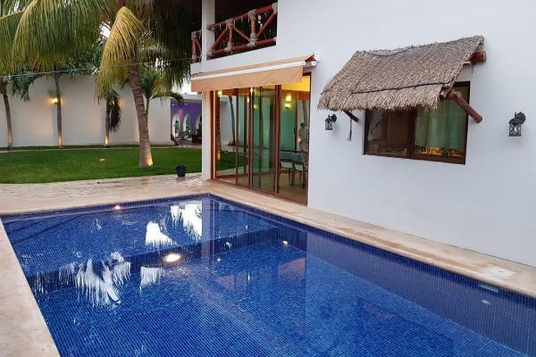 Foto de casa en venta en  , villas del sol, mérida, yucatán, 14027546 No. 01
