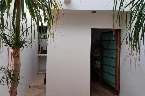 Foto de casa en venta en  , villas del sol, mérida, yucatán, 14027546 No. 04
