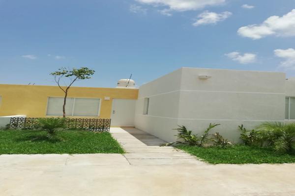 Foto de casa en venta en  , villas del sur, mérida, yucatán, 16377951 No. 01