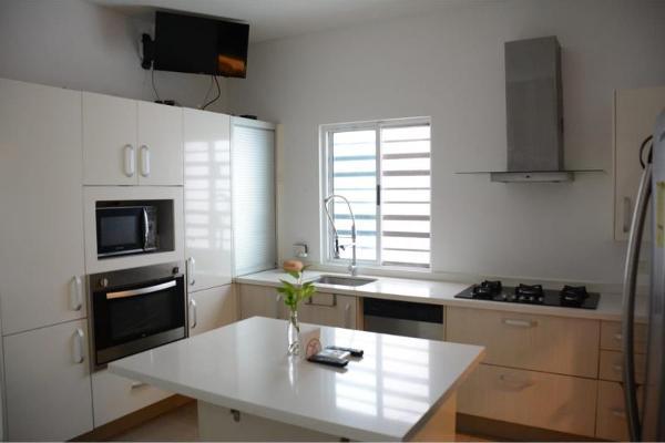Foto de casa en renta en  , villas la rioja, monterrey, nuevo león, 9265585 No. 02