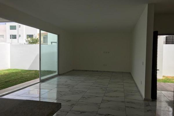 Foto de casa en venta en  , vista alegre 2a secc, querétaro, querétaro, 14021095 No. 02
