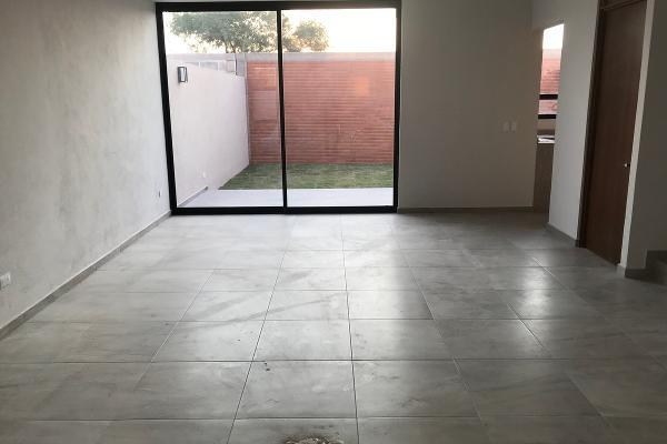 Foto de casa en venta en  , vista alegre 2a secc, querétaro, querétaro, 14033915 No. 03