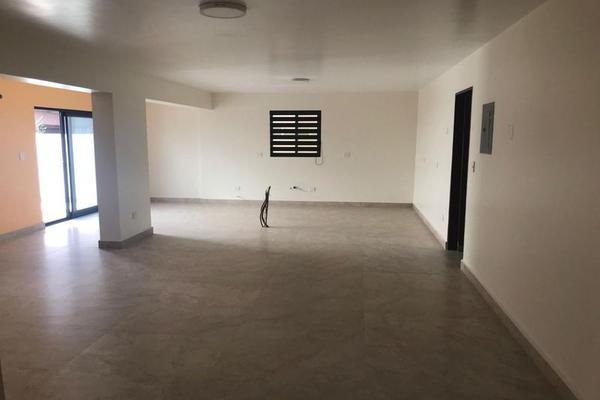 Foto de casa en venta en  , vista hermosa, monterrey, nuevo león, 7956990 No. 02