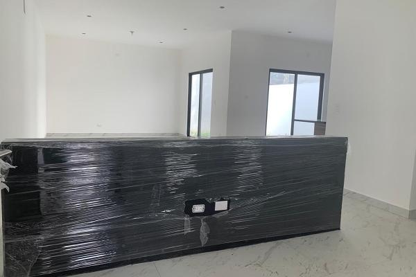 Foto de casa en venta en  , vistancias 1er sector, monterrey, nuevo león, 14037986 No. 02