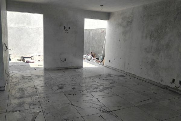 Foto de casa en venta en  , vistas del cimatario, querétaro, querétaro, 14034357 No. 03
