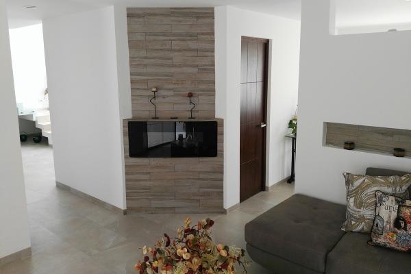 Foto de casa en venta en  , vistas del cimatario, querétaro, querétaro, 14034361 No. 05