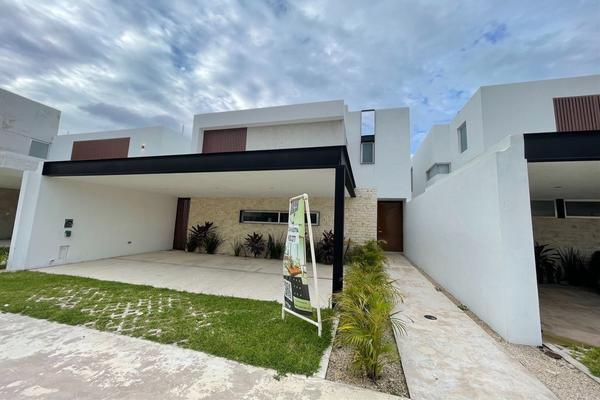 Foto de casa en venta en  , xcanatún, mérida, yucatán, 10056852 No. 02