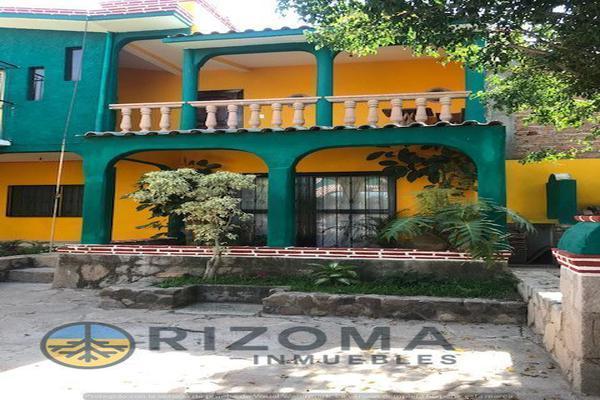 Foto de casa en venta en  , yerbabuena, guanajuato, guanajuato, 17883638 No. 17