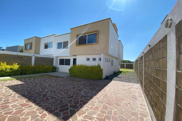 Foto de casa en venta en  , yerbabuena, guanajuato, guanajuato, 19512399 No. 01
