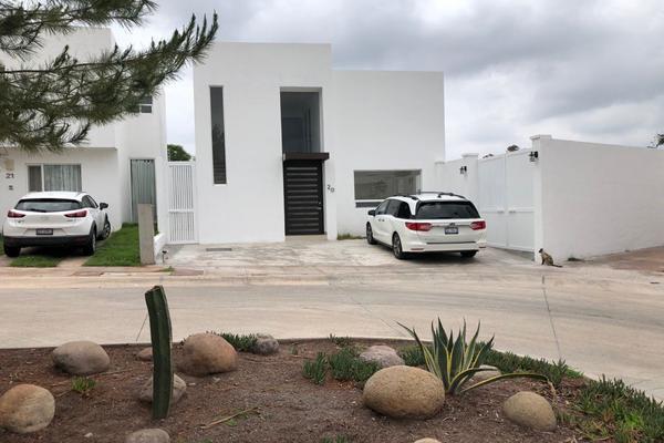Foto de casa en renta en  , yerbabuena, guanajuato, guanajuato, 0 No. 01