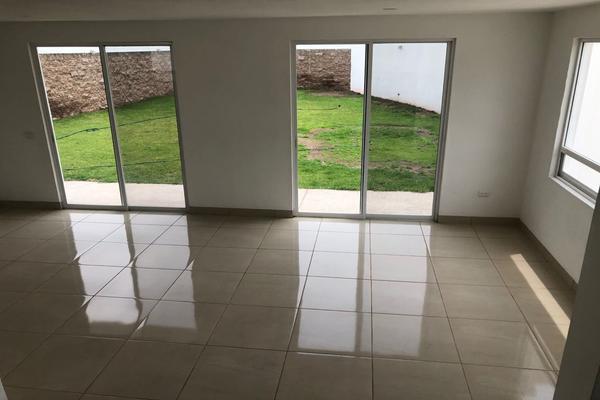 Foto de casa en renta en  , yerbabuena, guanajuato, guanajuato, 0 No. 02