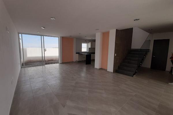 Foto de casa en venta en zafiro , santa bárbara 2a sección, corregidora, querétaro, 14021372 No. 01