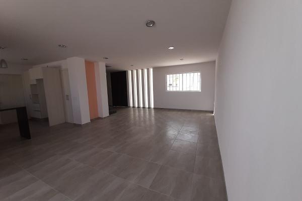 Foto de casa en venta en zafiro , santa bárbara 2a sección, corregidora, querétaro, 14021372 No. 02