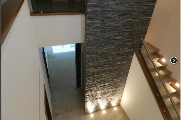 Foto de casa en venta en  , mirasierra 3er sector, san pedro garza garcía, nuevo león, 5380115 No. 02