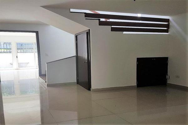 Foto de casa en venta en  , zona pedregal del valle, san pedro garza garcía, nuevo león, 7958461 No. 02