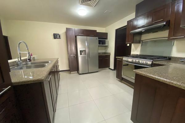 Foto de casa en renta en  , zona valle oriente sur, san pedro garza garcía, nuevo león, 8328203 No. 01