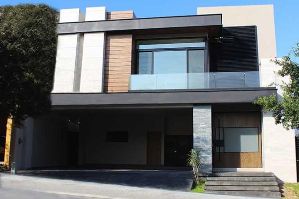 Foto de casa en venta en  , zona valle poniente, san pedro garza garcía, nuevo león, 8120075 No. 01