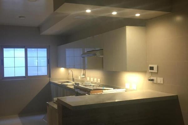 Foto de casa en venta en  , zona valle san ángel, san pedro garza garcía, nuevo león, 12262388 No. 01
