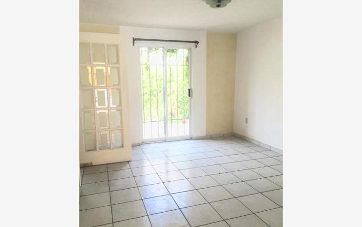 Foto de casa en venta en  128, hacienda san rafael, saltillo, coahuila de zaragoza, 2676104 No. 02