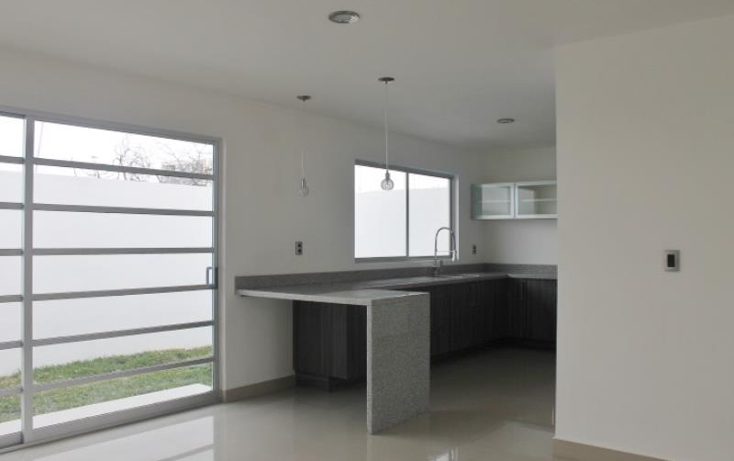 Foto de casa en venta en  15, desarrollo habitacional zibata, el marqu?s, quer?taro, 1689580 No. 02