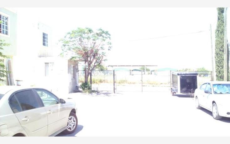 Foto de casa en venta en  407, villas del paraíso, nuevo laredo, tamaulipas, 1845230 No. 02