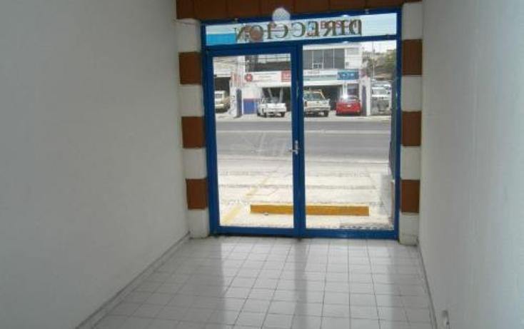 Foto de edificio en renta en  900, villas del parque, querétaro, querétaro, 399861 No. 02