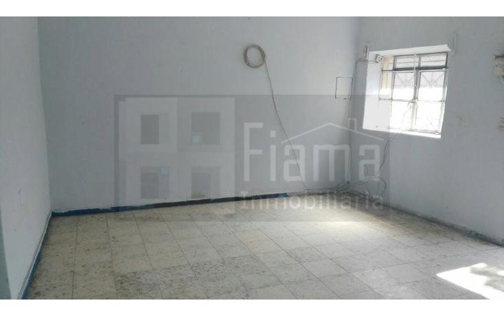 Foto de terreno habitacional en venta en  , acayapan, tepic, nayarit, 1772670 No. 02