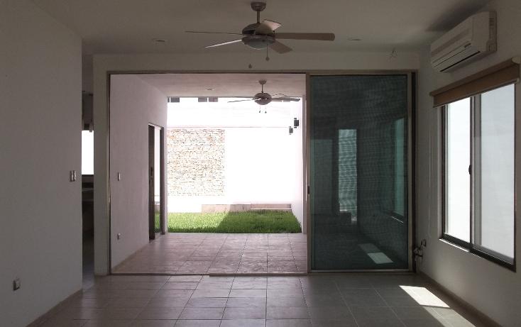 Foto de casa en venta en  , algarrobos desarrollo residencial, m?rida, yucat?n, 1417101 No. 02