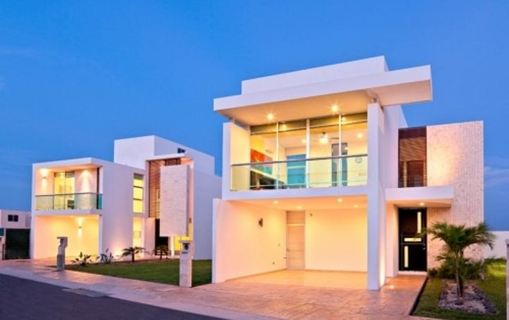 Foto de casa en venta en  , altabrisa, mérida, yucatán, 1073905 No. 01