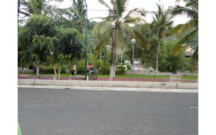 Foto de local en venta en av la boquita, 12 de marzo, zihuatanejo de azueta, guerrero, 597897 no 02