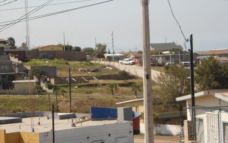Foto de terreno habitacional en venta en  , benito juárez, playas de rosarito, baja california, 416316 No. 02