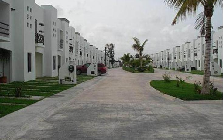Foto de casa con id 425619 en renta en avenida las torres 1 región 240 no 01