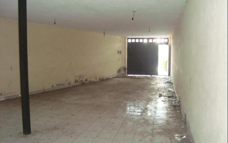 Foto de casa con id 389995 en venta en av del prado uriangato centro no 04