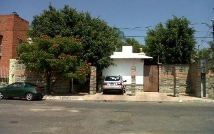 Foto de casa con id 389946 en venta en paseo de los tulipanes 169 villas de irapuato no 02