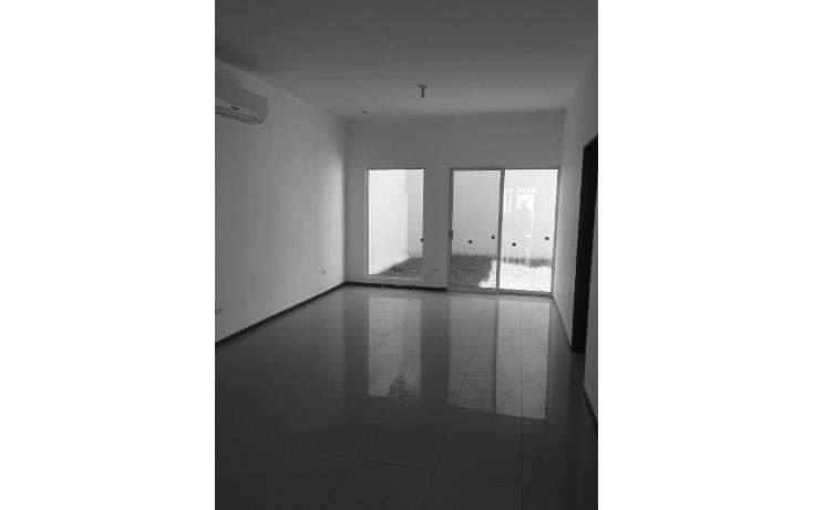 Foto de casa en venta en  , cumbres santa clara 3er sector, monterrey, nuevo león, 1420285 No. 02