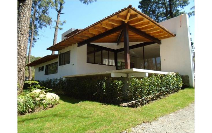 Casa en condominio en av ndaro en venta id 620868 for Casas en valle de bravo