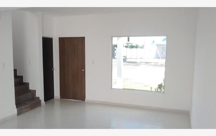 Foto de casa en venta en  , fraccionamiento villas del renacimiento, torreón, coahuila de zaragoza, 1585352 No. 02