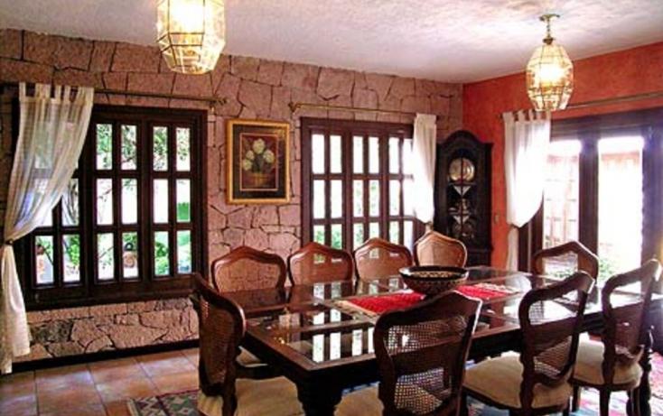 Casa en hermosa casa colonial con ampl villa de los for Casa mansion los jardines havana