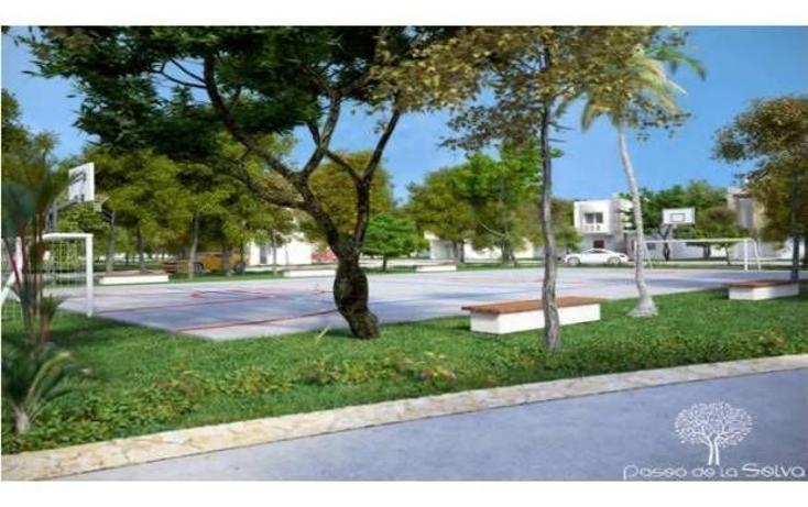 Foto de terreno habitacional en venta en  , jardines del sur, benito juárez, quintana roo, 745671 No. 02