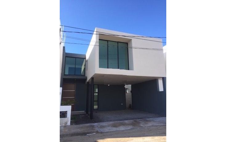 Foto de casa en venta en  , leandro valle, mérida, yucatán, 1459641 No. 01