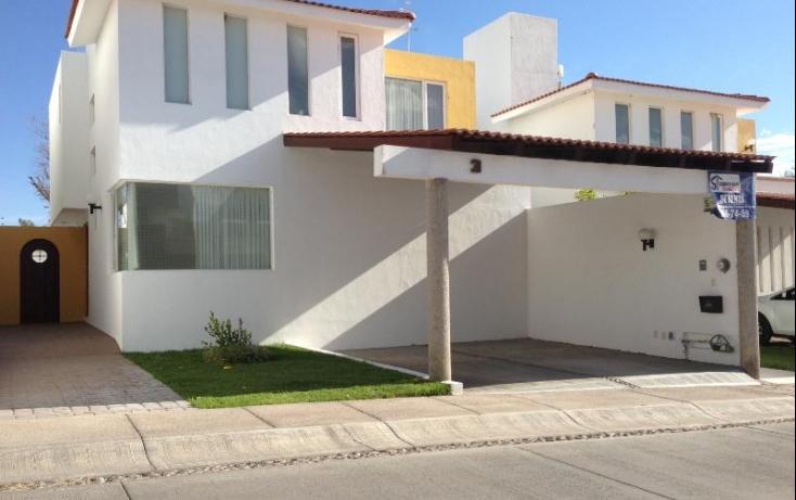 Casa en tres arroyos en renta id 446083 for Casas de la epoca actual