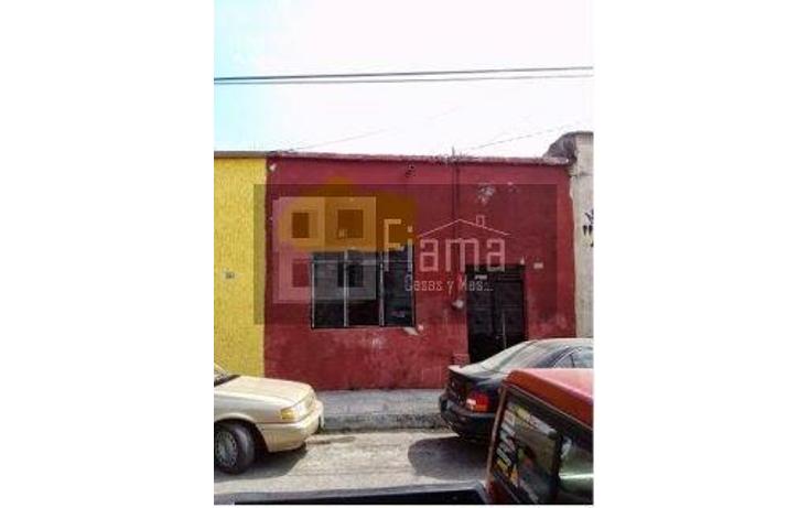 Foto de terreno habitacional en venta en  , tepic centro, tepic, nayarit, 1040655 No. 01