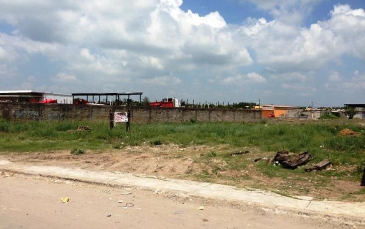 Foto de terreno comercial con id 388631 en venta en del ferrocarril 1 2 caminos no 01